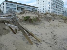Sand dune cliff